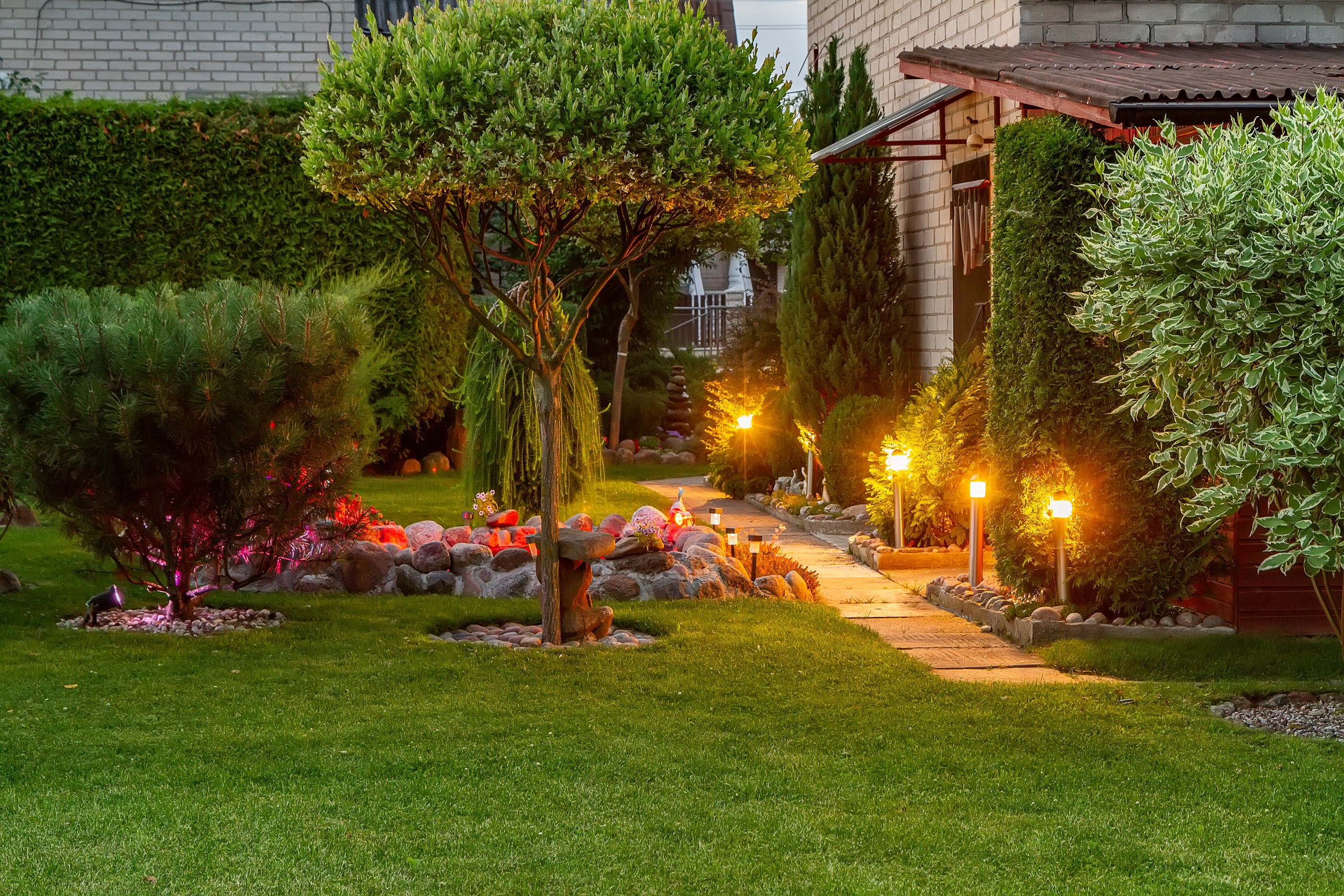What Are the Latest Trends in Outdoor Lighting?